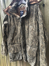 Load image into Gallery viewer, Columbia Original Bottomland Parka (XL)