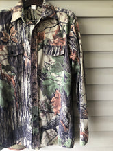 Load image into Gallery viewer, Realtree Quiet Hide Shirt (XL)
