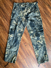 Load image into Gallery viewer, Redhead Mossy Oak Pants (38x33)