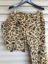 Load image into Gallery viewer, Old School Camo Pants (33x30)