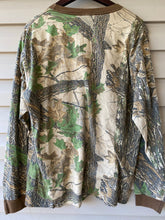 Load image into Gallery viewer, Realtree Pocket Shirt (L)