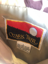 Load image into Gallery viewer, Ozark Trail reversible vest (L/XL)