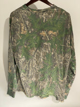 Load image into Gallery viewer, Mossy Oak Shadowleaf Shirt (L)