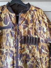 Load image into Gallery viewer, Mountain Prarie Reversible Jacket (L)