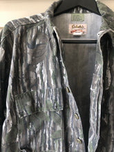 Load image into Gallery viewer, Cabela's Realtree Jacket (XL)