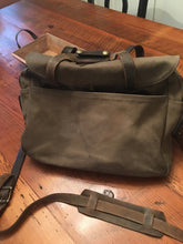 Load image into Gallery viewer, Filson Brief Case