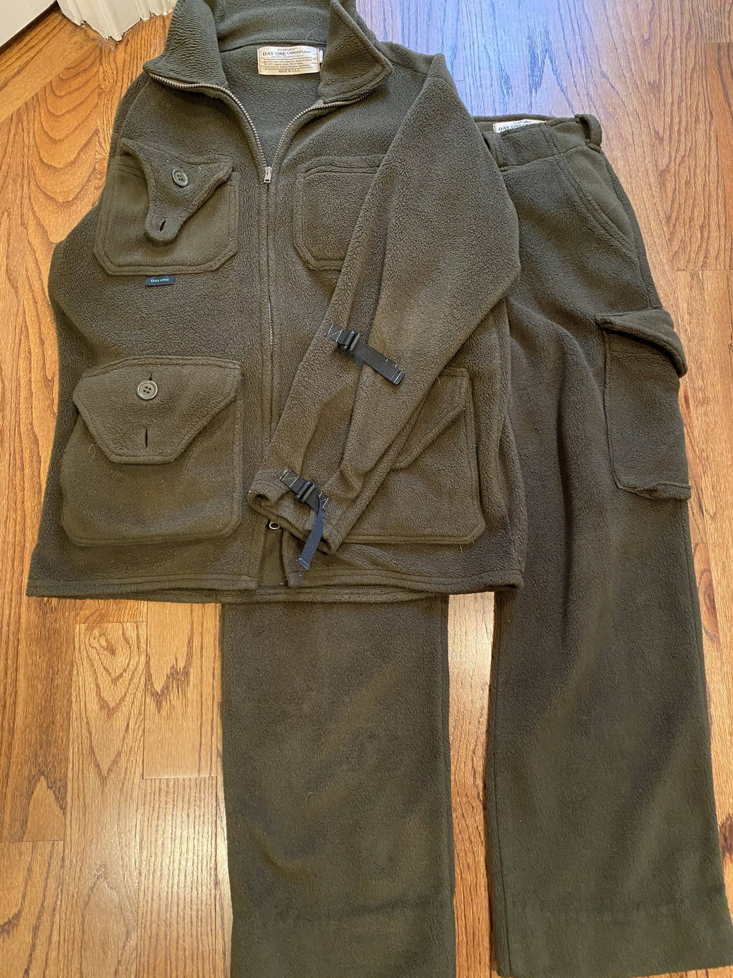 Day One Camouflage Polar Fleece Shirt and Pants (L)