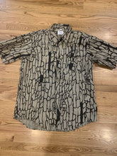 Load image into Gallery viewer, Trebark Shooting Shirt (L)