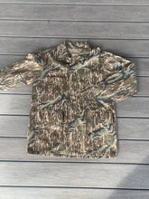 Load image into Gallery viewer, NWOT Vintage Mossy Oak 3 pocket jacket (M)