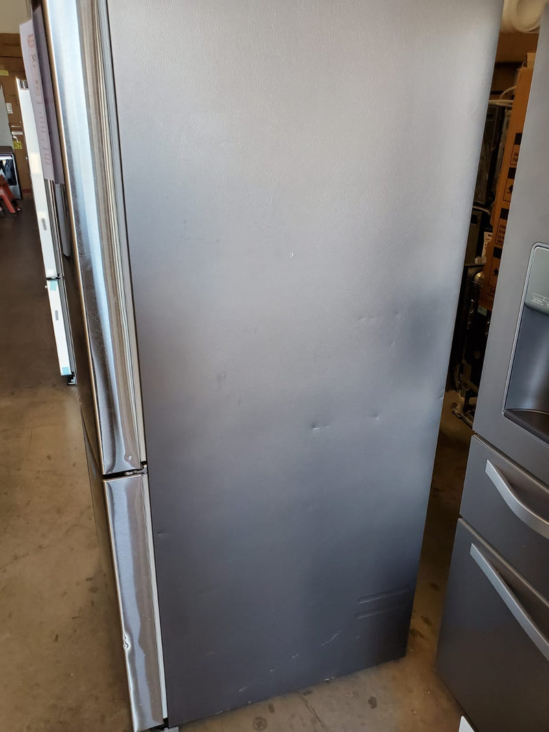 Samsung-27.8 Cu. Ft 4Door Flex French Door Refrigerator with ShowCase,Ice and Water-Stainless Steel