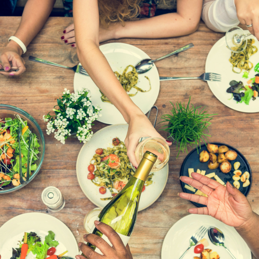 Top 10 Tips On How To Eat Healthy When You're Eating Out!