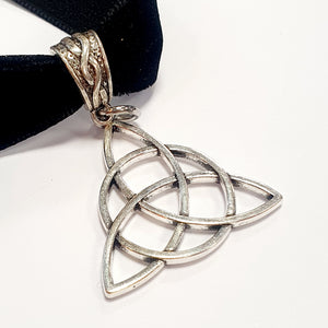 Talking To Myself choker, Triquetra