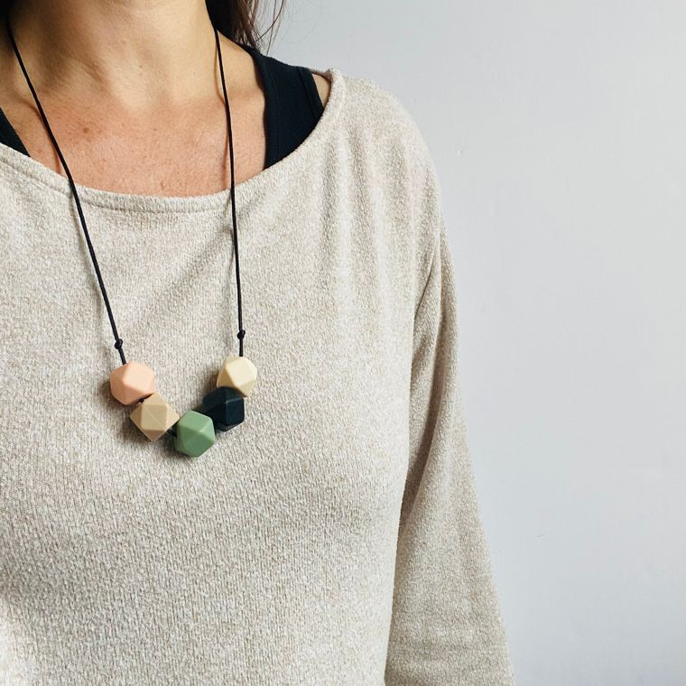 Jewellery | Stylish silicone necklace - Sage, vanilla, biscuit, coral and black
