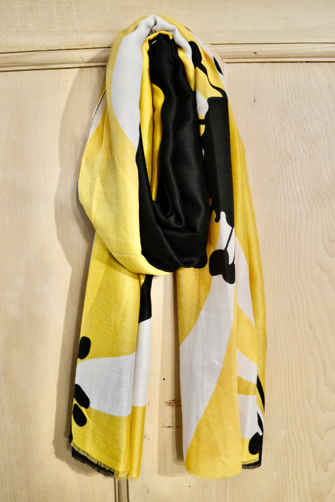 Scarves | Large yellow and black flower