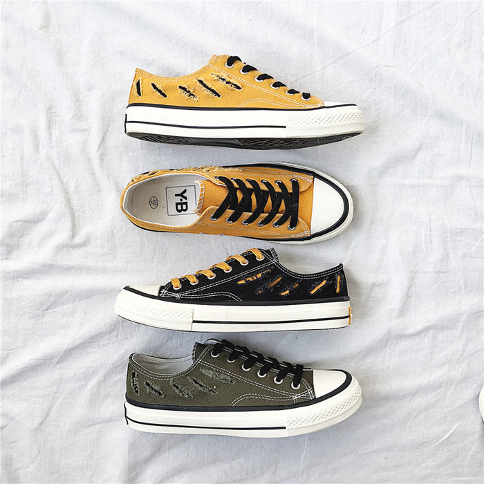 Japanese trend of breathable canvas shoes