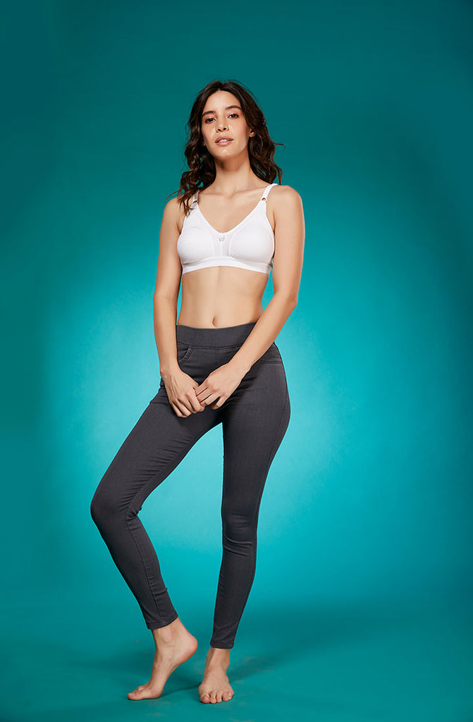 Front Side Grey Stretchable Skinny Fit Denim Leggings With Bra