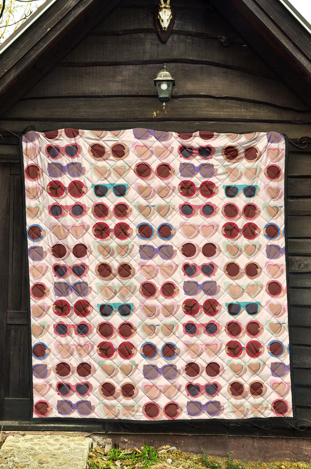 Sun Glasses Pattern Print Design 04 Premium Quilt