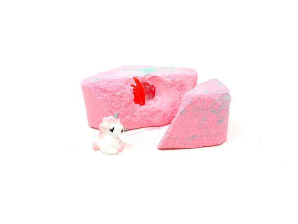 Feeling Smitten Rainbows & Unicorns Surprise Bath Bomb