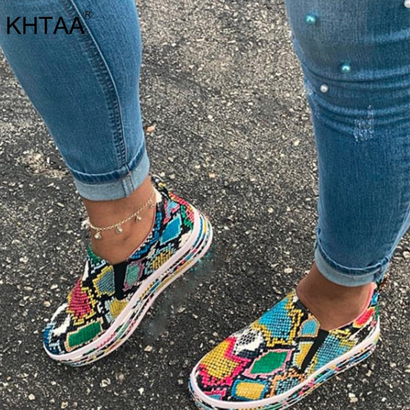 New Woman Flat Snake Skin Sneakers Women Autumn Sexy Ladies Comfortable Female Fashion Shoes