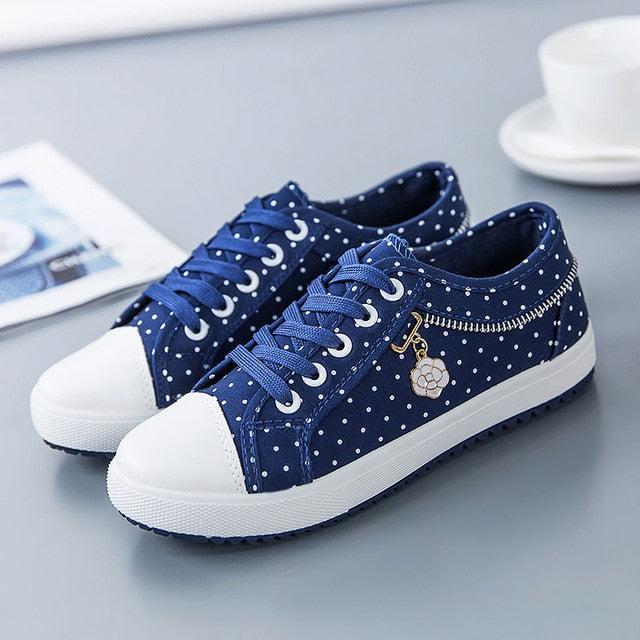 Canvas casual shoes woman 2019 new breathable solid polka dot sneakers women shoes zipper lace-up women sneakers plus size