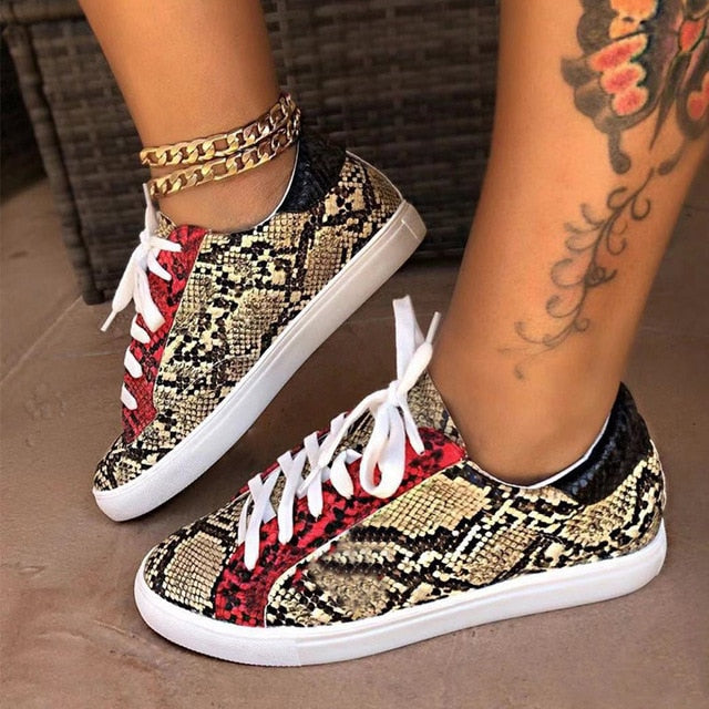 Size 38-43 Women Serpentine Prints PU Leather Vulcanized Shoes Lace up Female Sneakers Fashion Casual Platform Woman Flat Shoes
