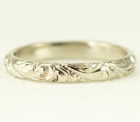 14k White Gold Vintage Inspired Wedding Band