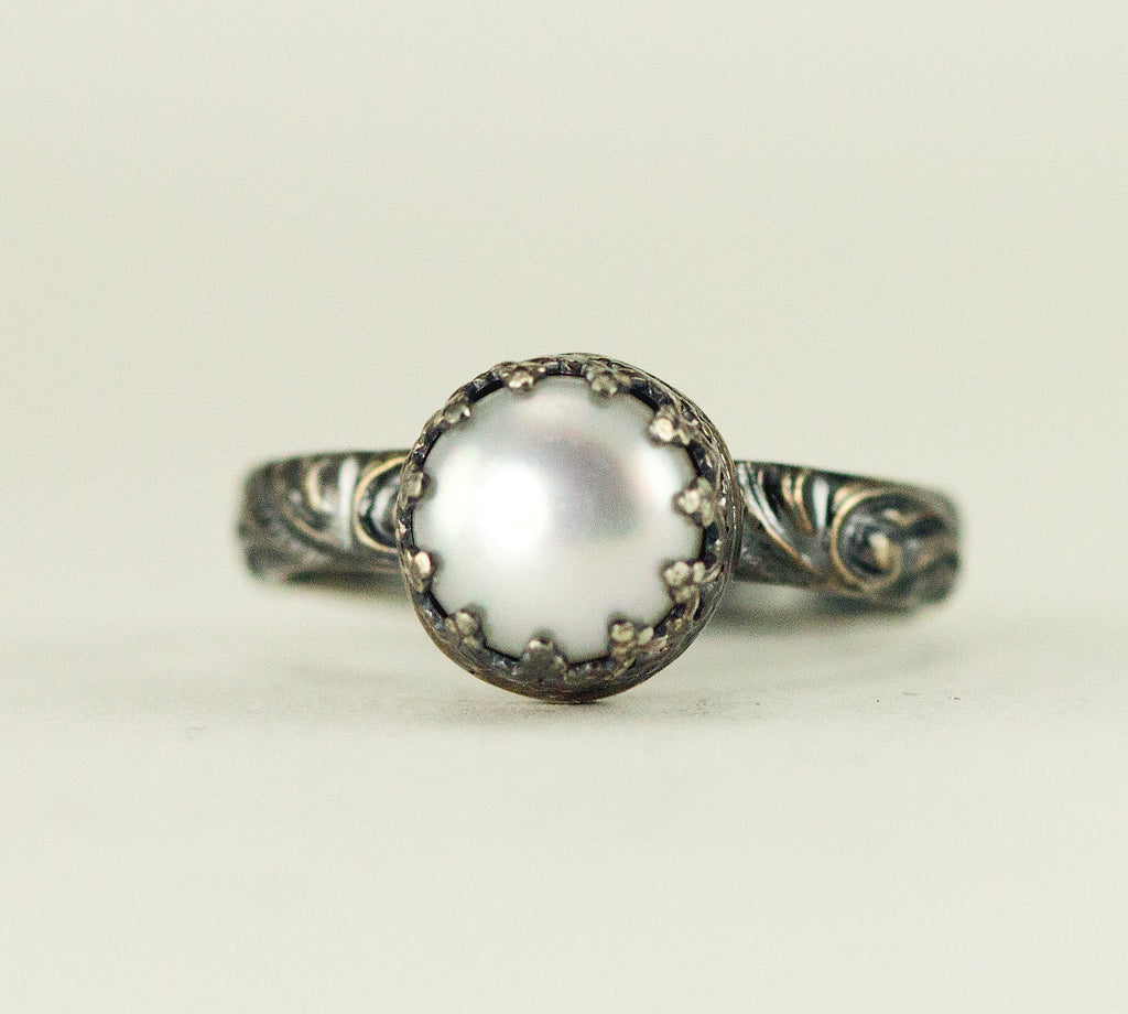 Pearl Ring with Pattern Band