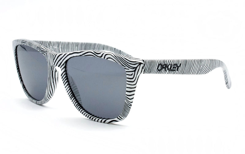 OAKLEY FROGSKIN 52 - Opticas Lookout