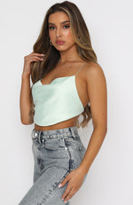 Runway Feature Crop Mint