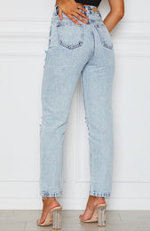 Moving On Boyfriend Jeans Washed Blue Denim