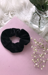 Ari Scrunchie Black Velvet