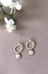 Sixth Sense Earrings Pearl