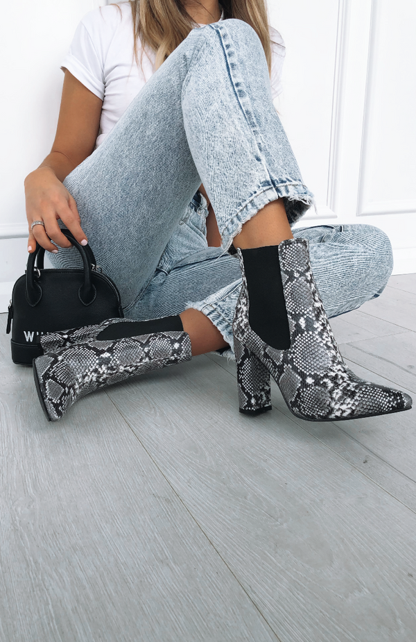 Madelyn Boots Black/White Snake