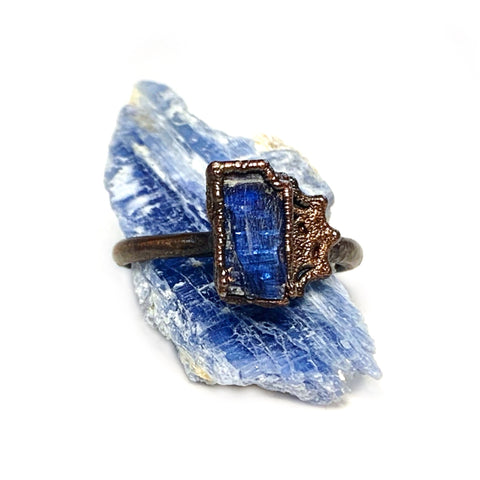 Blue Kyanite Spiderweb Ring