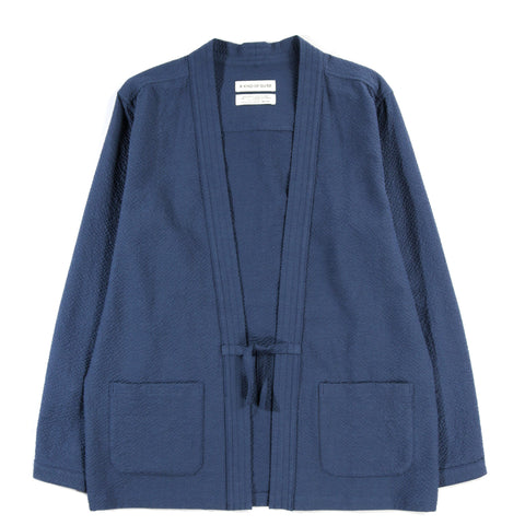 A KIND OF GUISE KOHAKU CARDIGAN BLUE SEERSUCKER