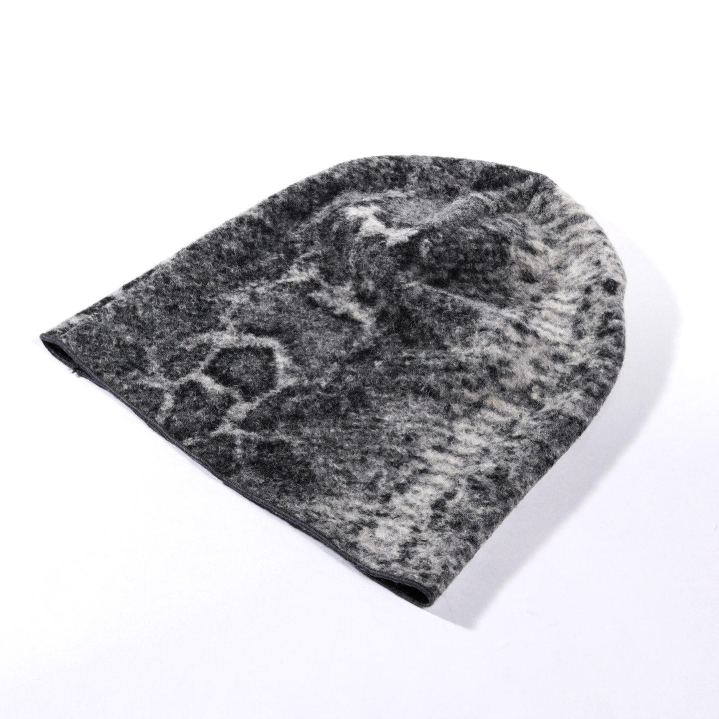 ENGINEERED GARMENTS BEANIE CAP GREY POLY WOOL SNAKE PRINT KNIT