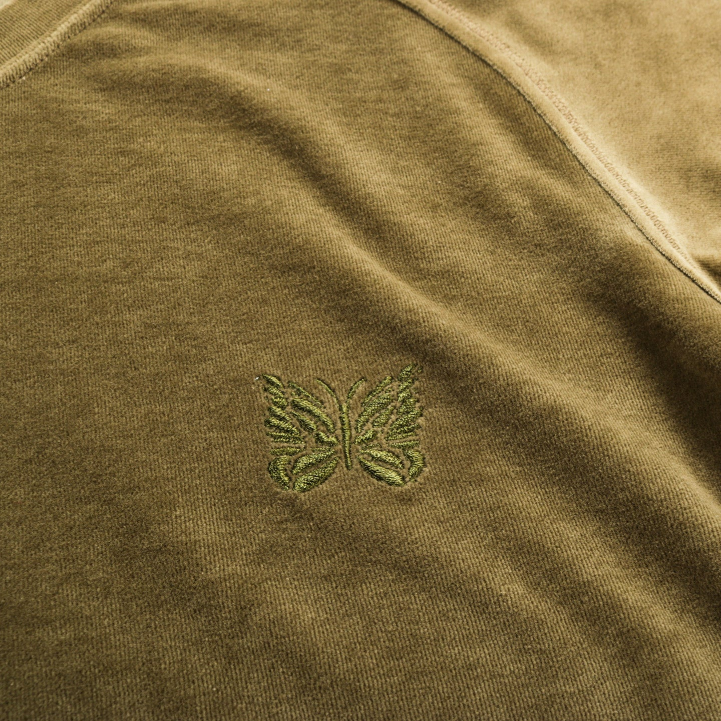 NEEDLES S/S U NECK TEE VELOUR OLIVE