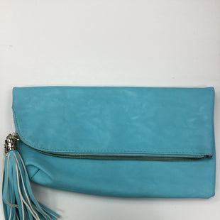 Primary Photo - BRAND: CHARMING CHARLIE STYLE: CLUTCH COLOR: BLUE SKU: 155-155201-10805AQUA AND WHITE