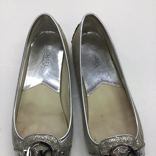 Primary Photo - BRAND: MICHAEL BY MICHAEL KORS STYLE: SHOES FLATS COLOR: METALLIC SIZE: 9 SKU: 155-155215-2855