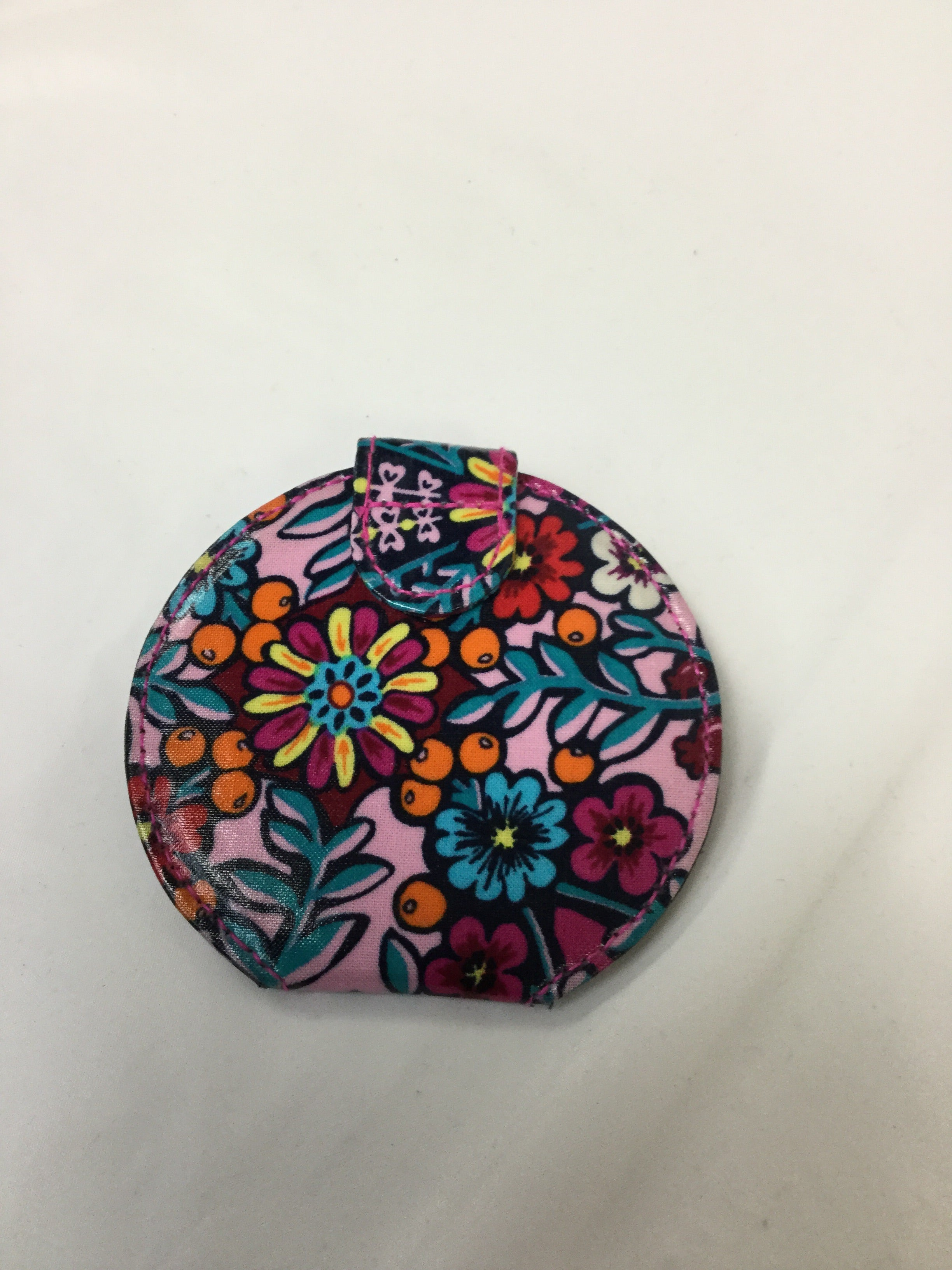 Photo #1 - BRAND: VERA BRADLEY <BR>STYLE: ACCESSORY TAG <BR>COLOR: MULTI <BR>SKU: 155-15599-220345<BR>FLORAL COMPACT MIRROR/SNAP CLOSURE<BR>