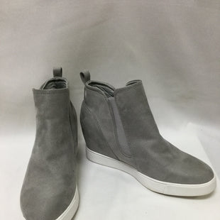 Primary Photo - BRAND: ANNE KLEIN STYLE: BOOTS ANKLE COLOR: GREY SIZE: 9 SKU: 155-155224-5664