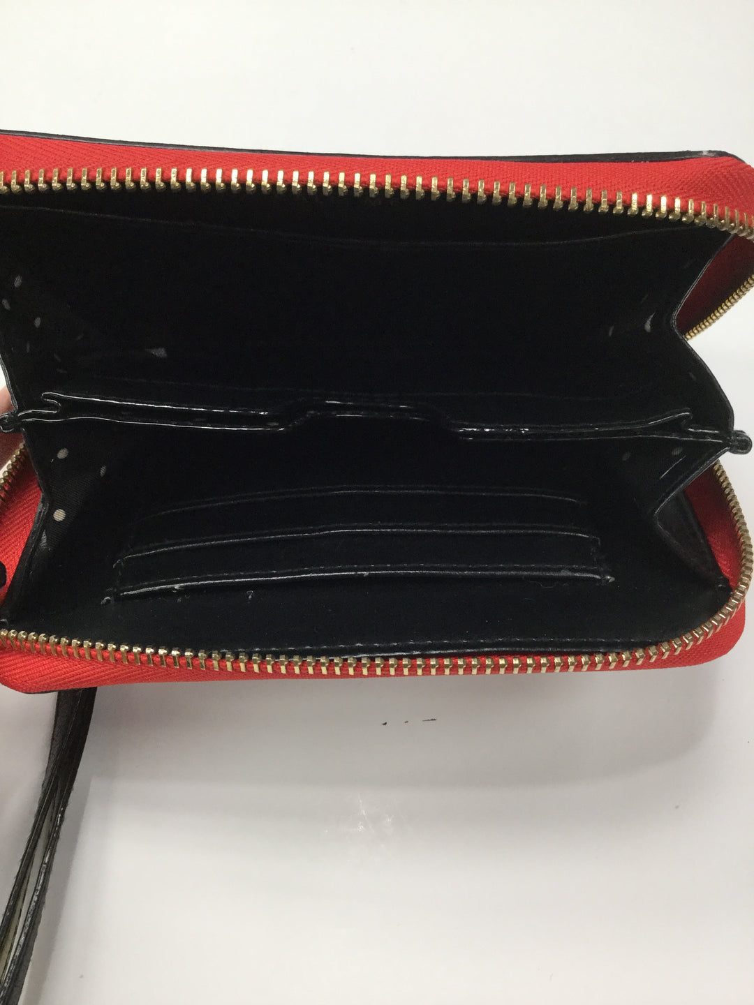 Photo #1 - BRAND: STELLA AND DOT <BR>STYLE: WRISTLET <BR>COLOR: HEART <BR>SIZE: MEDIUM <BR>SKU: 162-16299-25306<BR>RED, BLACK, BEIGE HEART PRINT
