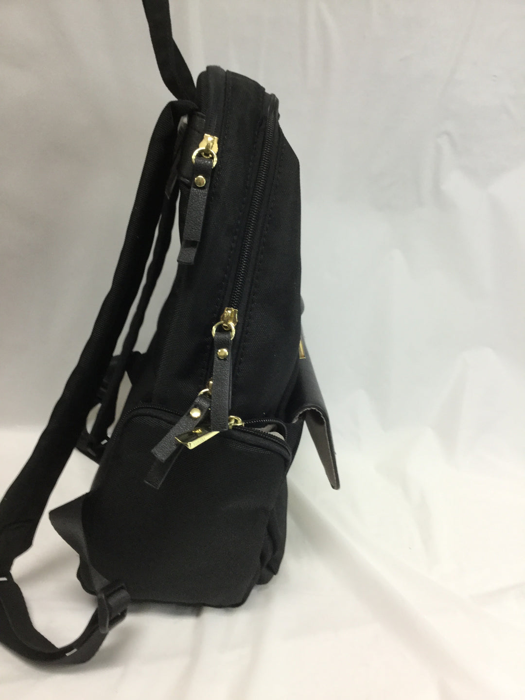 Photo #2 - BRAND:   CMC <BR>STYLE: BACKPACK <BR>COLOR: BLACK <BR>SIZE: MEDIUM <BR>OTHER INFO: TUTILO NEW YORK - <BR>SKU: 155-155227-116<BR>GOLD HARDWARE, APPROX. 14'X20'<BR>