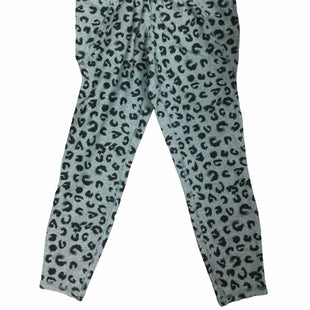 Primary Photo - BRAND: LIVI ACTIVE STYLE: ATHLETIC PANTS COLOR: LEOPARD PRINT SIZE: M OTHER INFO: NEW! SKU: 155-155130-220463