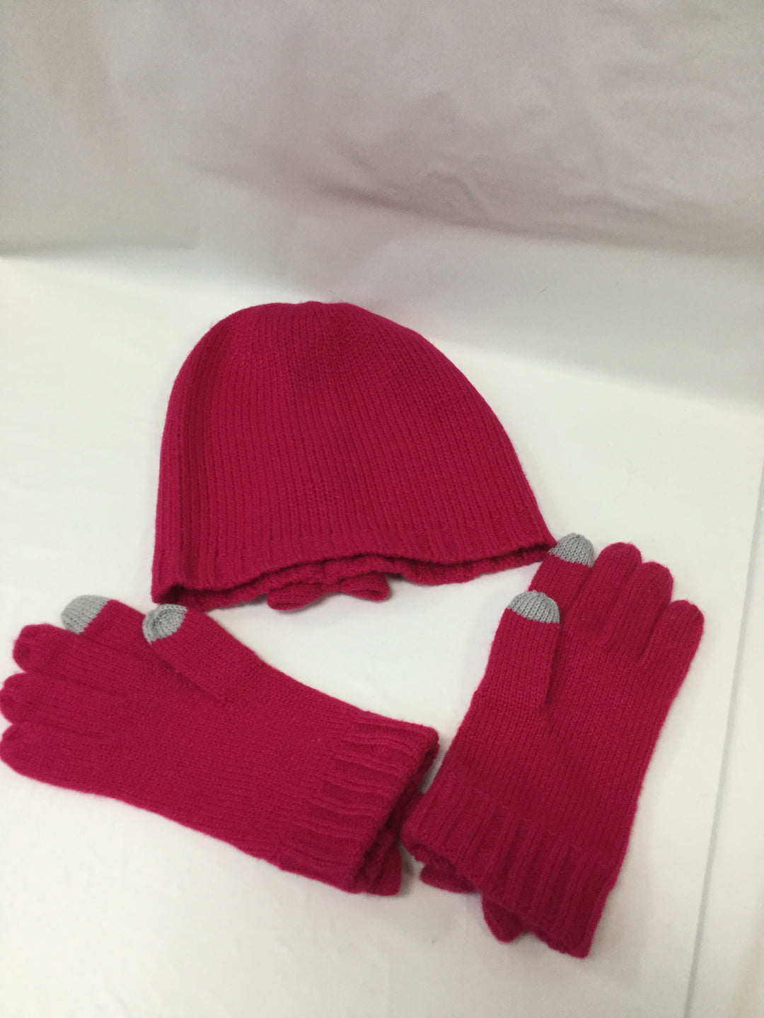 Photo #1 - BRAND: KATE SPADE <BR>STYLE: HAT <BR>COLOR: HOT PINK <BR>OTHER INFO: WITH GLOVES <BR>SKU: 155-15545-200349<BR>BOW TRIM FEATURE ON HAT AND GLOVES<BR>GREY TIP TRIM ON GLOVES<BR>EXCELLENT CONDITION <BR>