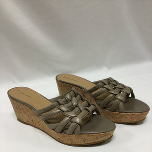 Primary Photo - BRAND: TAHARI STYLE: SANDALS LOW COLOR: TAUPE SIZE: 9 SKU: 155-155201-12589