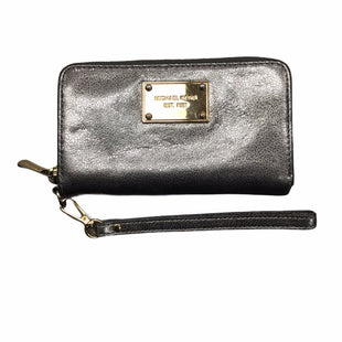 Primary Photo - BRAND: MICHAEL BY MICHAEL KORS STYLE: WRISTLET COLOR: PEWTER OTHER INFO: NOTED SKU: 155-155220-11180