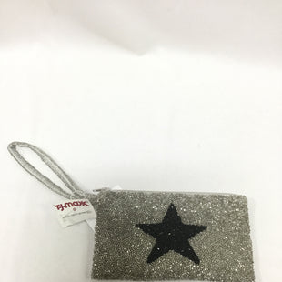 Primary Photo - BRAND:    MOYNASTYLE: WRISTLET COLOR: SILVER SKU: 155-155215-4222