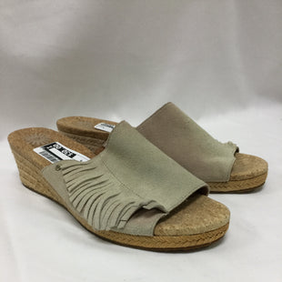 Primary Photo - BRAND: UGG STYLE: SANDALS LOW COLOR: TAN SIZE: 9 SKU: 155-155220-4444