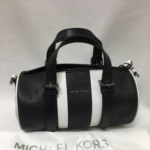 Primary Photo - BRAND: MICHAEL KORS STYLE: HANDBAG DESIGNER COLOR: BLACK WHITE SIZE: MEDIUM SKU: 155-155224-16351